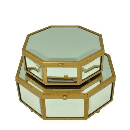 Caixa em Vidro e Detalhes em Ferro Dourado M