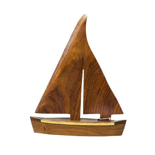 Objeto Madeira Forma Barco Detalhe em Metal