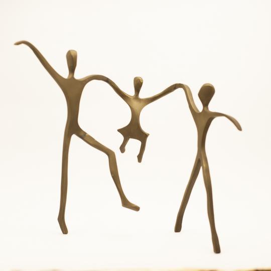 Escultura Passeio Bronze Menina
